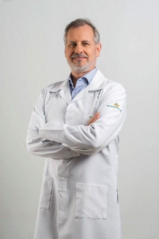 Dr Paulo Roberto de Almeida