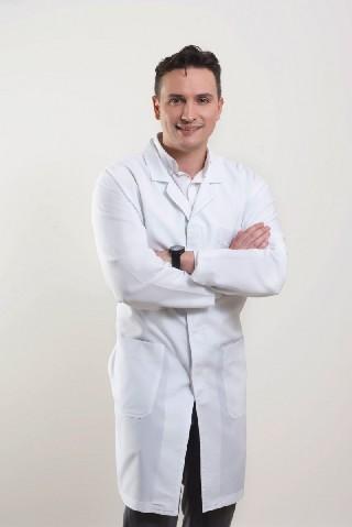 Dr Cesar Franzen